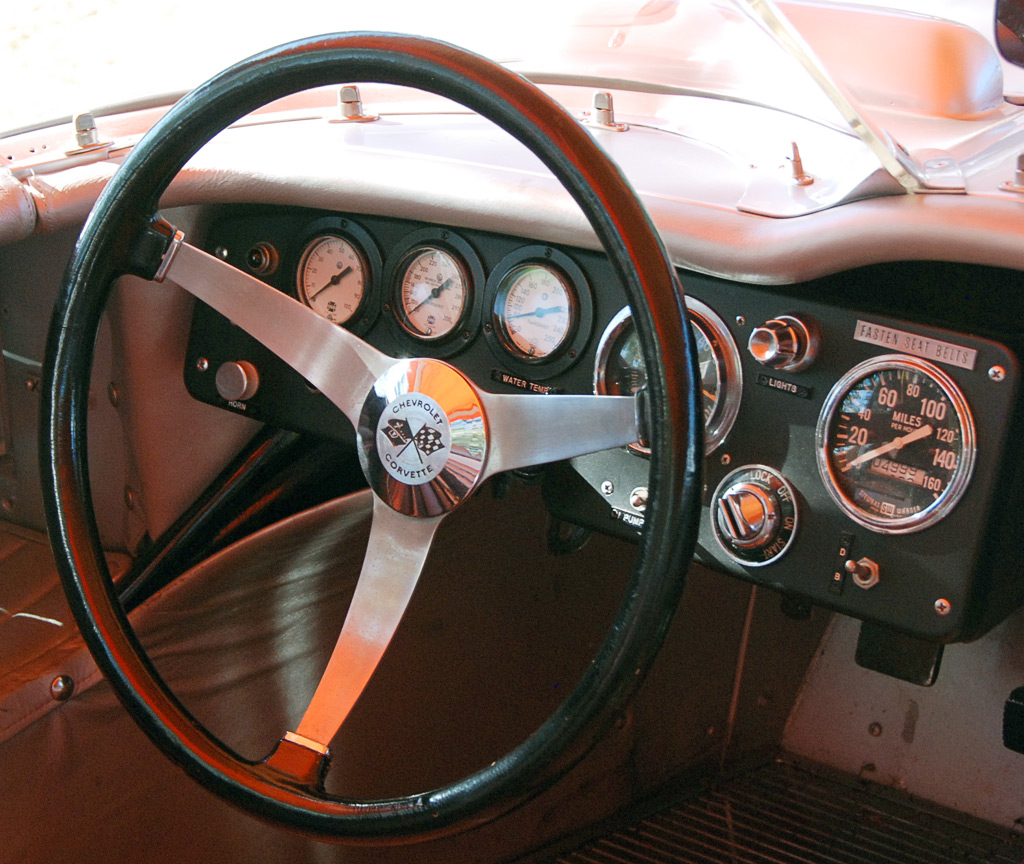 1959 Sting Ray Racer steering wheel, instruments