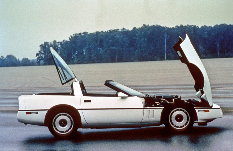 Corvette C4 (1984-1996)  1984-corvette-16_a