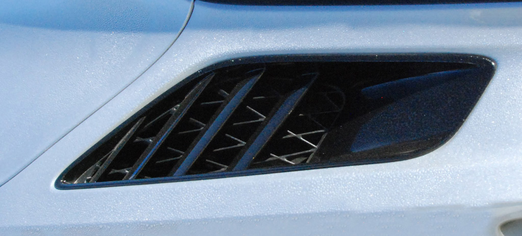 Chevrolet Corvette C7 Coupe Rear Fender Vent
