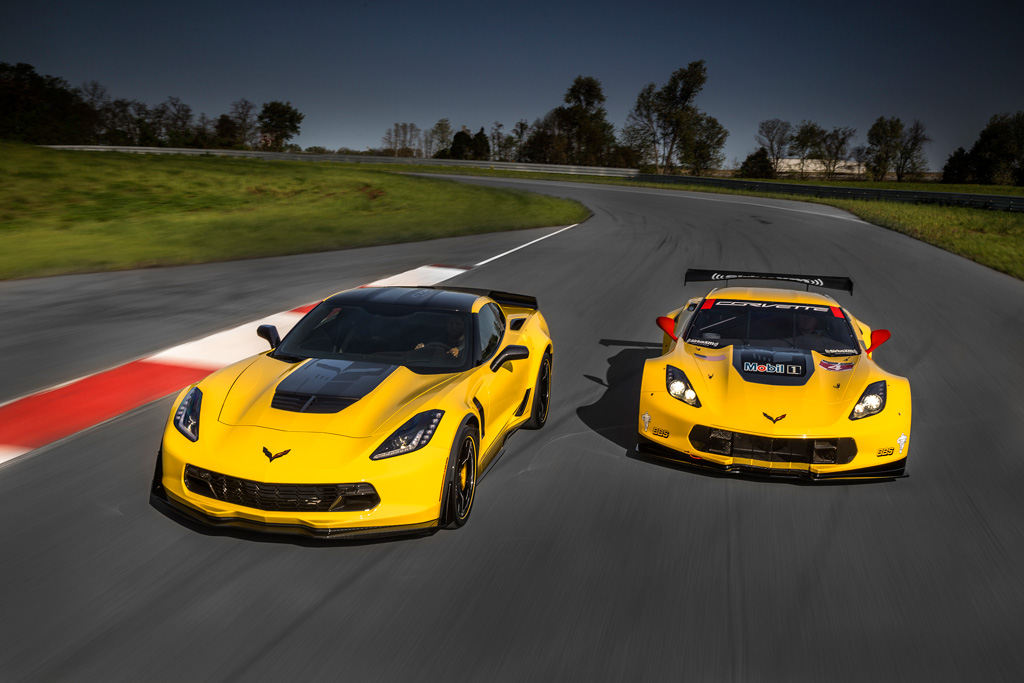 2016 Corvette C7.R Special Edition (left) with Competition C7.R